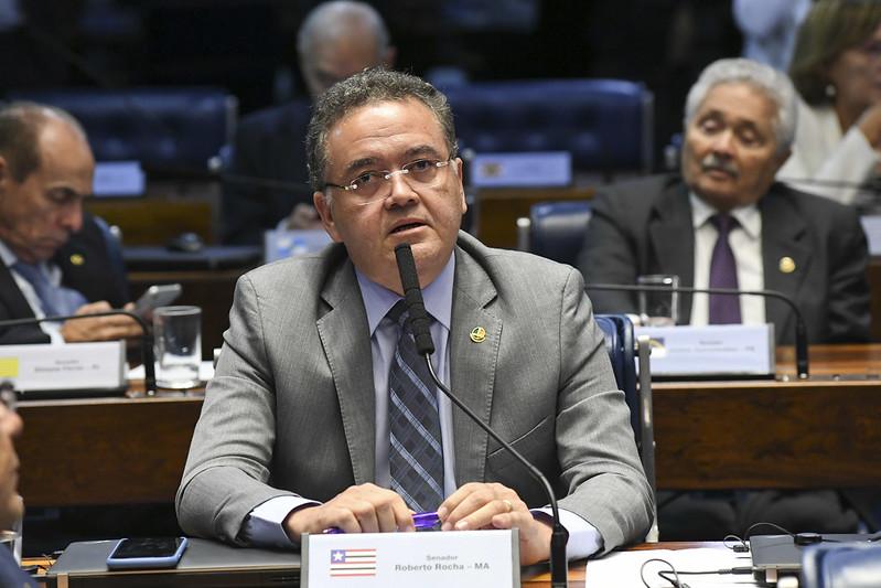 Plenário do Senado Federal durante sessão deliberativa ordinária. Ordem do dia.   À bancada, em pronunciamento, senador Roberto Rocha (PSDB-MA).   Foto: Jefferson Rudy/Agência Senado