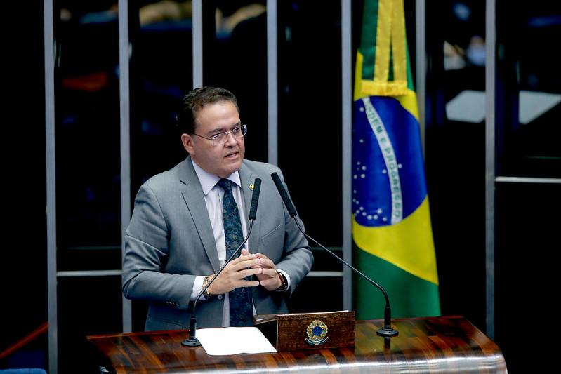 Roberto Rocha profere palestra sobre Reforma Tributária na OAB