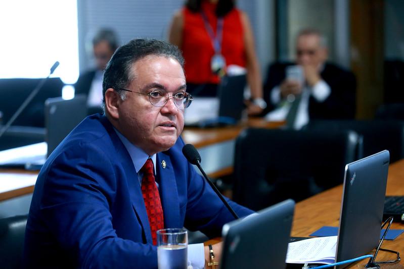 Pontes de madeira: senador Roberto Rocha quer o fim delas