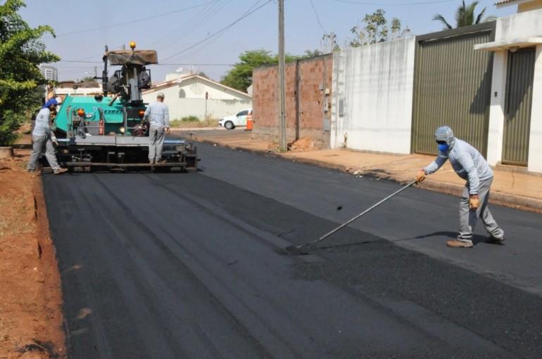 Senador Roberto Rocha garantiu R$ 16 milhões em asfalto para o Maranhão