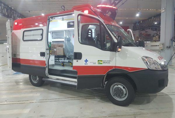 Roberto Rocha viabiliza ambulâncias do SAMU