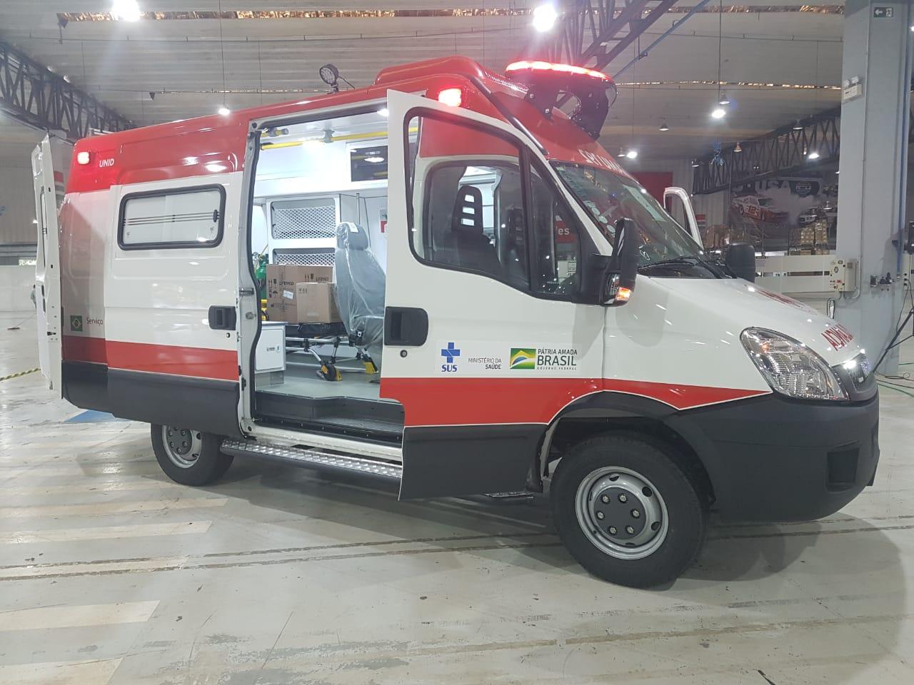 Roberto Rocha consegue 21 ambulâncias para o SAMU