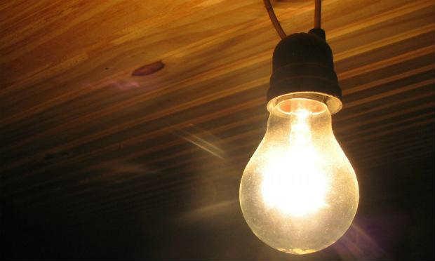 Aneel suspende corte de luz por 90 dias