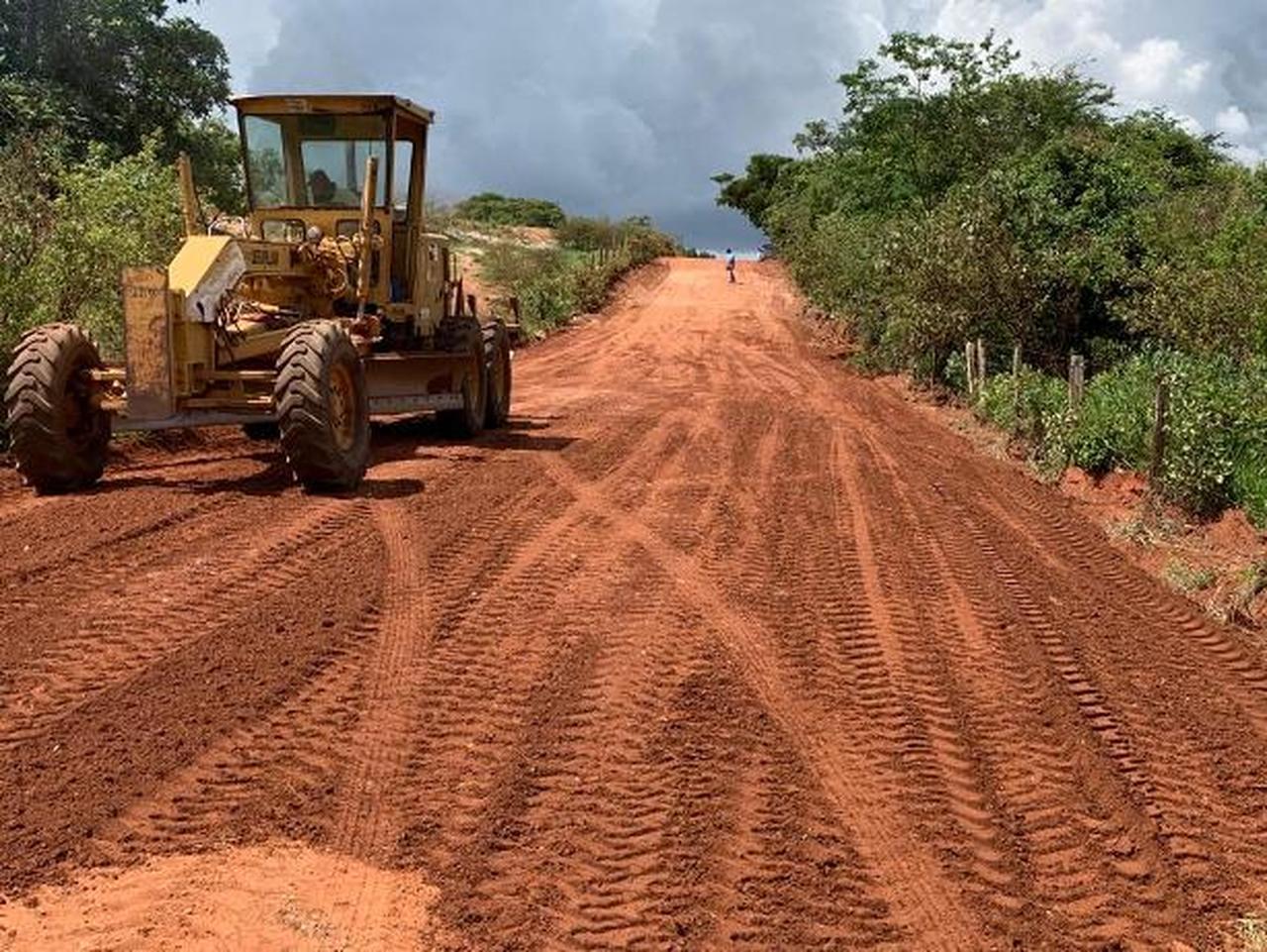 Obras de recuperação da estradas vicinais em Satubinha avançam