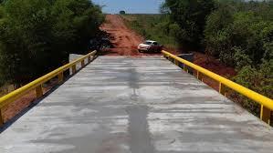 Ponte de aço e concreto