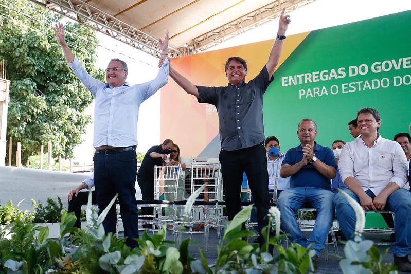 Roberto Rocha e Bolsonaro anunciam obras pelo Maranhão