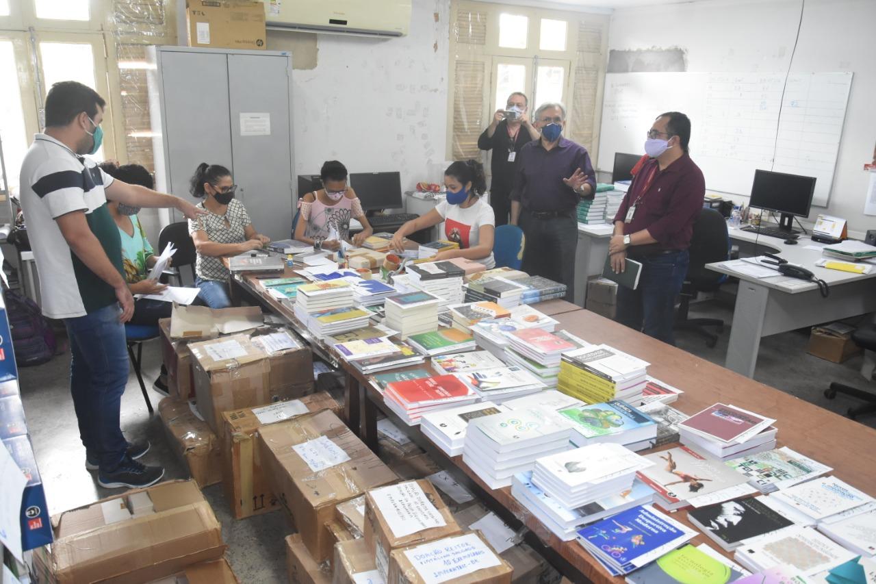 UFMA recebe quase 20 mil novos livros